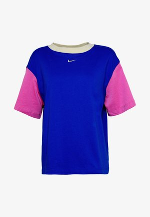 W NSW ESSNTL TOP SS BF - Camiseta básica - game royal/cosmic fuchsia/fossil