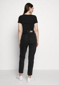 Nike Sportswear - BODYSUIT - Print T-shirt - black/white - 2