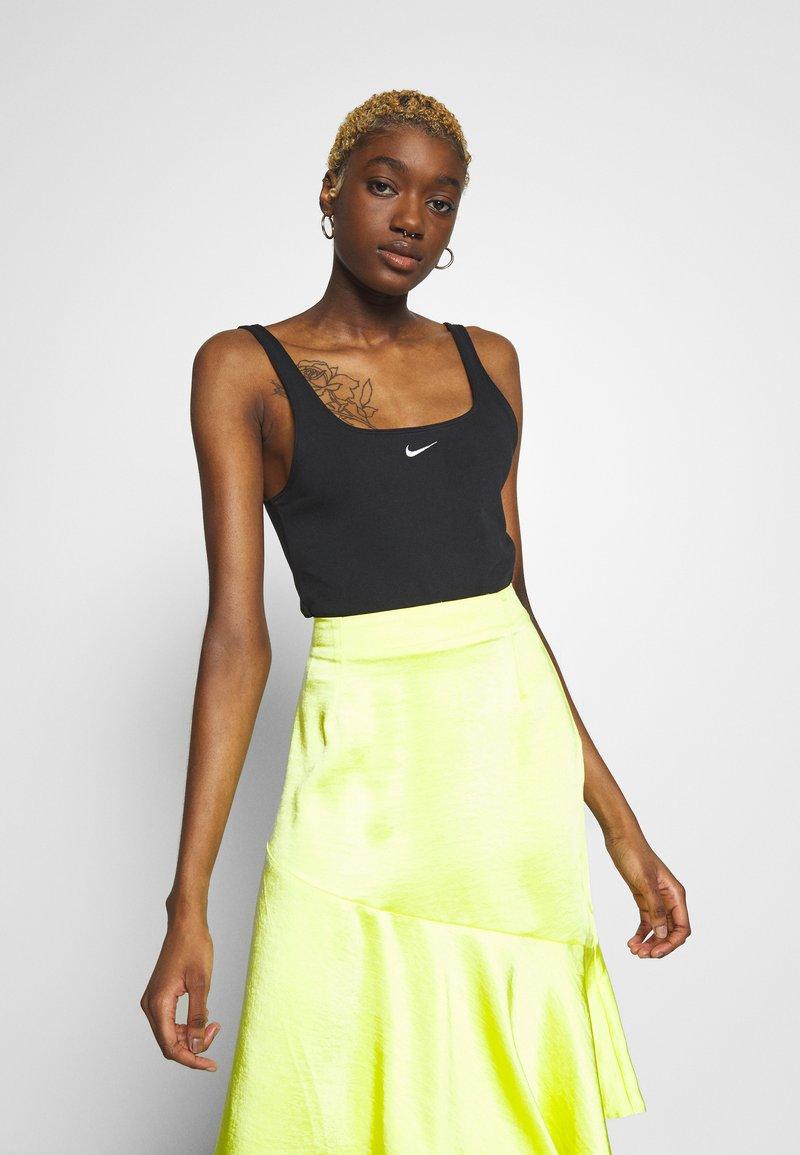 Nike Sportswear - ESSNTL - Top - black