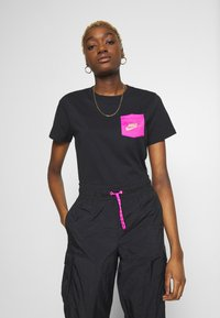 Nike Sportswear - ICON CLASH - T-shirts med print - black - 0