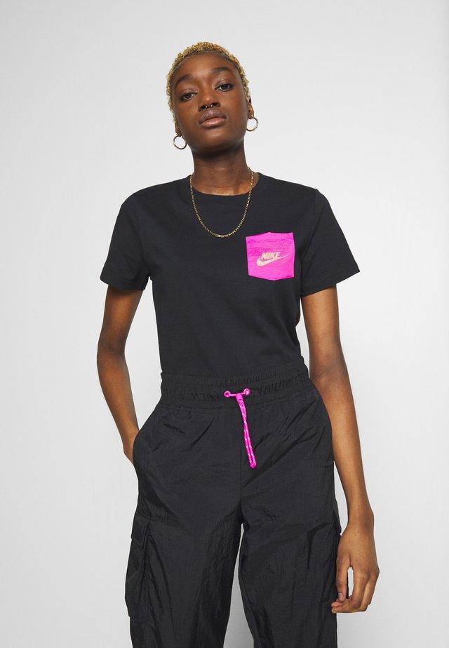 ICON CLASH - Print T-shirt - black