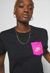 Nike Sportswear - ICON CLASH - T-shirts med print - black - 3
