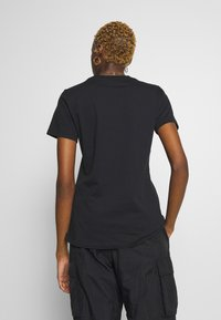 Nike Sportswear - ICON CLASH - T-shirts med print - black - 2