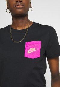 Nike Sportswear - ICON CLASH - T-shirts med print - black - 5