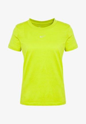 TEE - Basic T-shirt - bright cactus/white