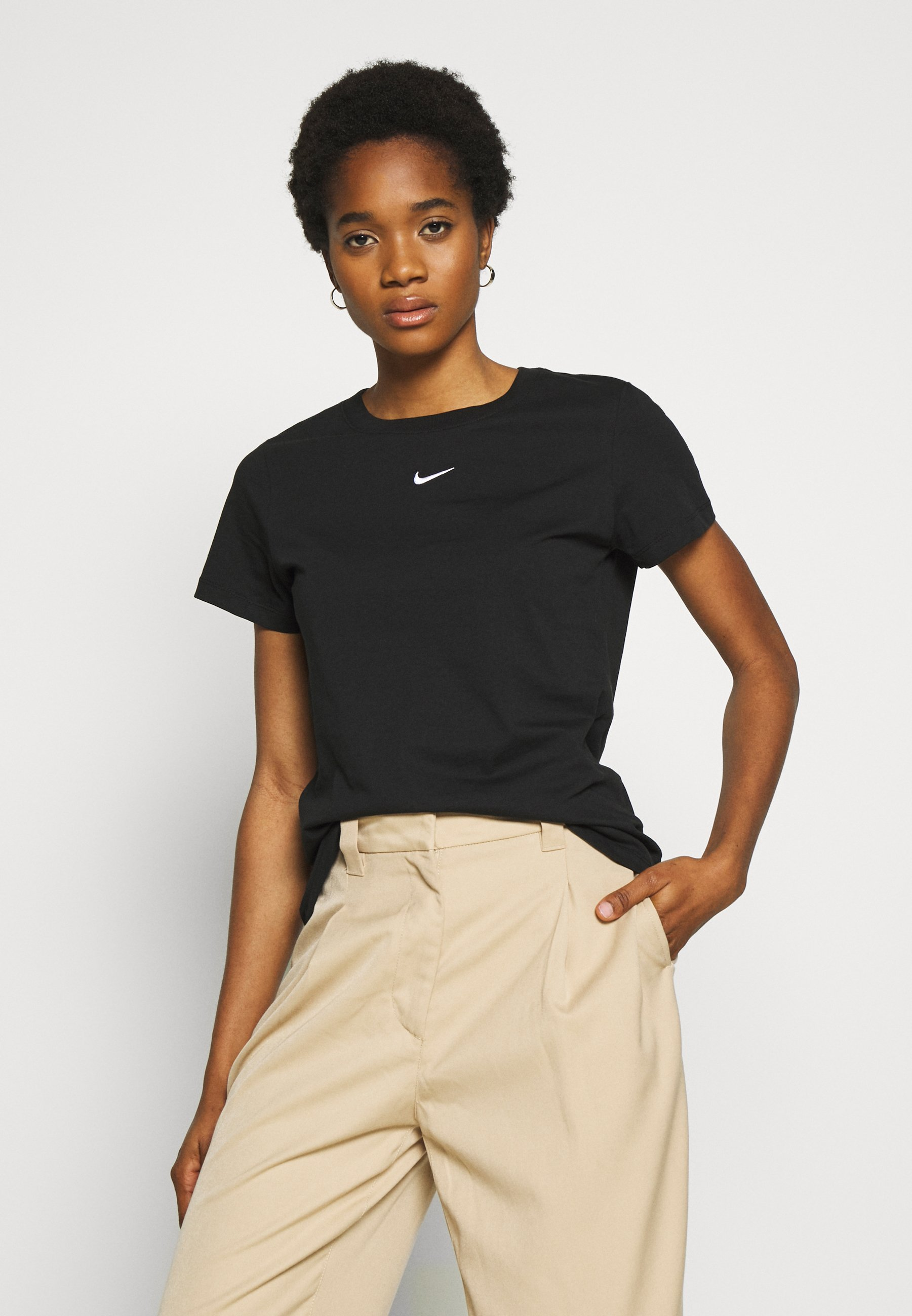 Nike Sportswear TEE - T-shirts - black/white