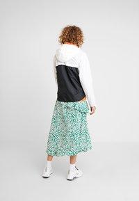 Nike Sportswear - Korte jassen - white/black - 2