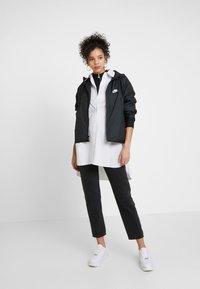Nike Sportswear - Kurtka wiosenna - black - 1