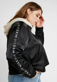 Nike Sportswear - AIR TRK PLUS - Bombejakke - black - 3