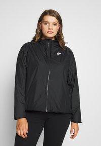 Nike Sportswear - FEM PLUS - Lett jakke - black - 0