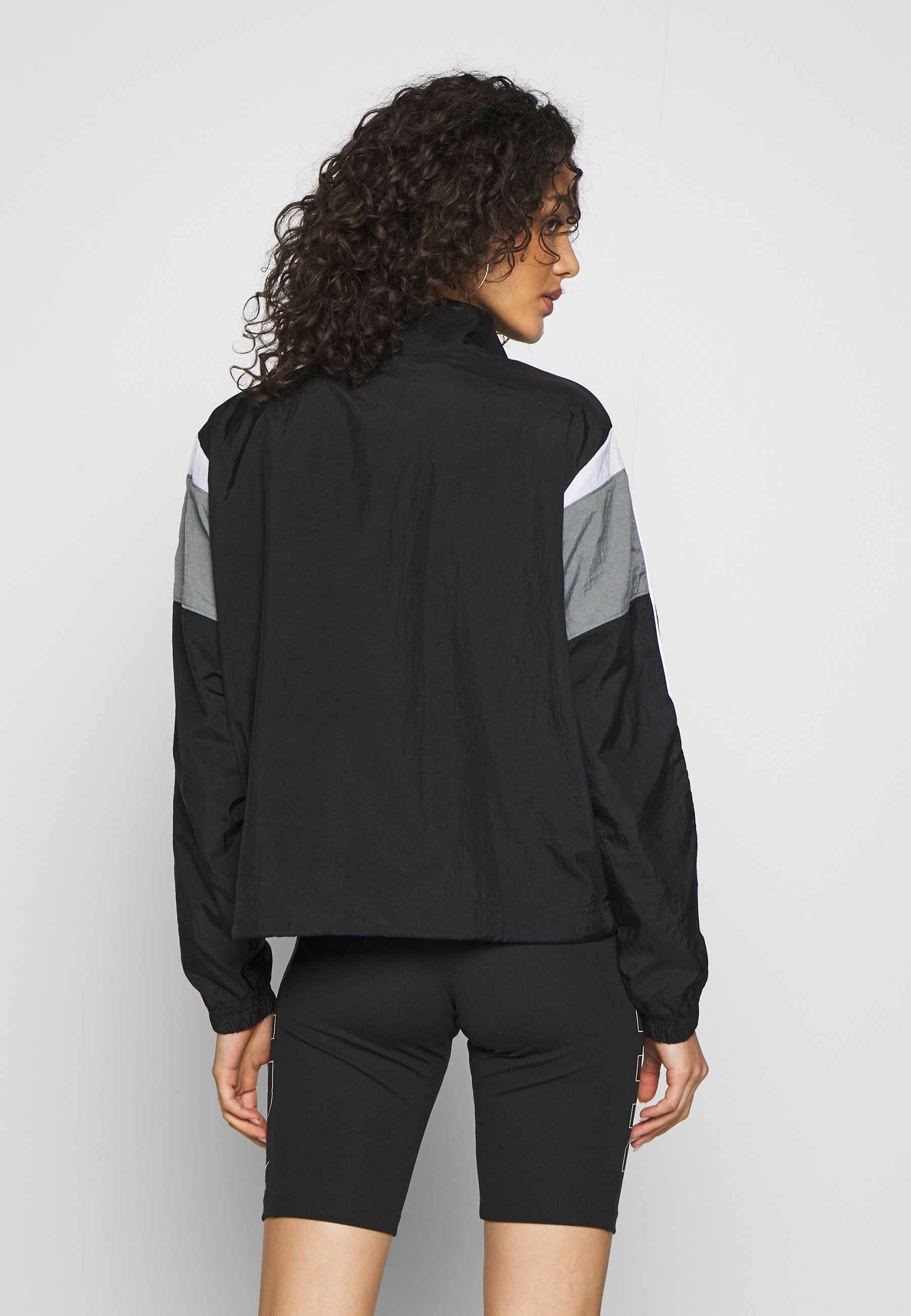 Nike Sportswear Kurtka wiosenna - black/smoke grey/white/(white)