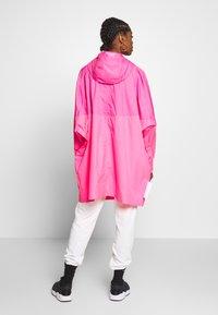 Nike Sportswear - Villakangastakki - hyper pink/white - 2