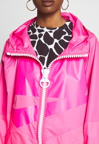 Nike Sportswear - Villakangastakki - hyper pink/white - 5