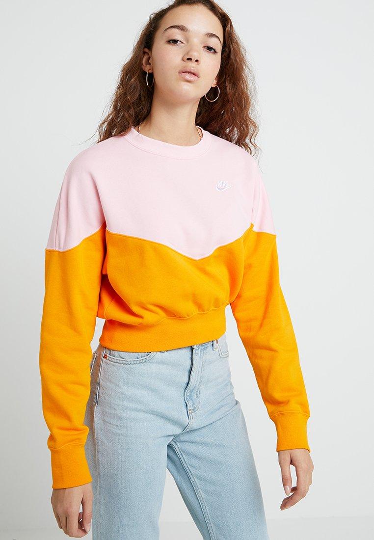 Nike Sportswear - Sweatshirt - orange peel/med soft pink/white