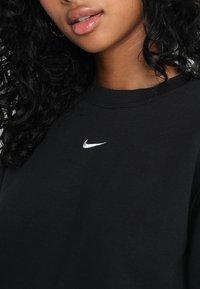 Nike Sportswear - CREW LOGO TAPE - Sweatshirts - black - 4