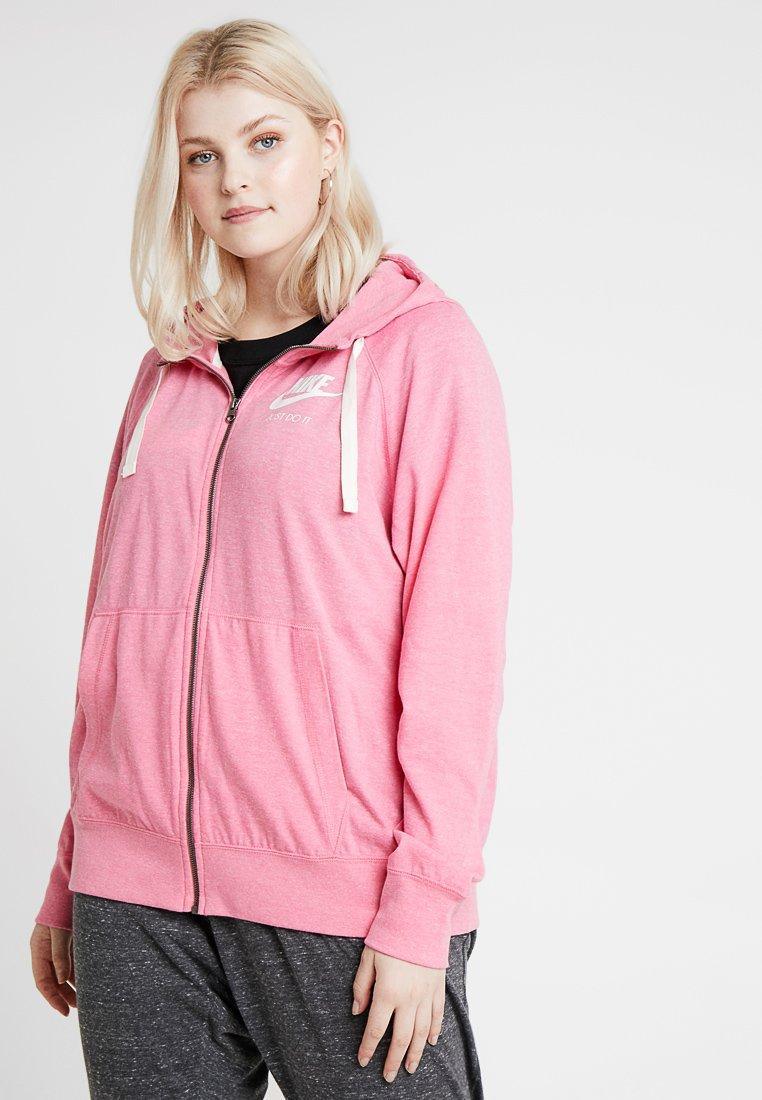 Nike Sportswear - GYM HOODIE PLUS - Strickjacke - lotus pink
