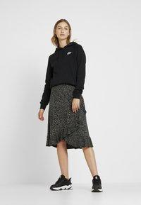 Nike Sportswear - Felpa con cappuccio - black - 1