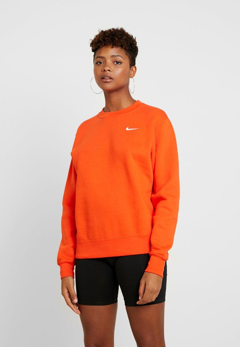 Nike Sportswear - CREW TREND - Sweatshirt - team orange/white