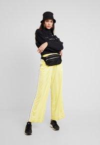 Nike Sportswear - AIR - Sudadera - black - 1
