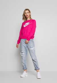 Nike Sportswear - CREW - Mikina - watermelon/white - 1