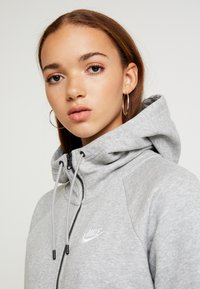 Nike Sportswear - HOODIE - Hettejakke - grey heather/white - 4