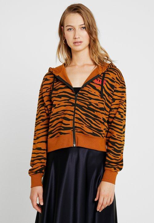 Nike Sportswear Bluza rozpinana - black/burnt sienna/university red Odzież Damska USGG-WA2 piękny