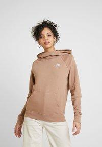 Nike Sportswear - Mikina skapucí - desert dust - 0