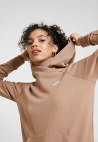 Nike Sportswear - Mikina skapucí - desert dust - 4