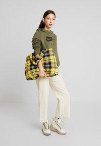 Nike Sportswear - AIR HOODIE - Luvtröja - medium olive/black - 1