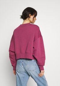 Nike Sportswear - CREW TREND - Sweater - mulberry rose/white - 2