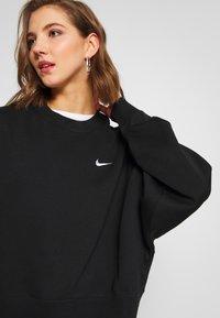 Nike Sportswear - CREW TREND - Mikina - black/white - 3