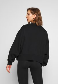 Nike Sportswear - CREW TREND - Mikina - black/white - 2