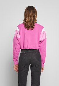 Nike Sportswear - CREW - Felpa - cosmic fuchsia/magic flamingo/white - 2