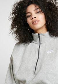 Nike Sportswear - Sweatshirt - grey heather/white - 4