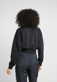 Nike Sportswear - CROP - Sweatshirt - black/white - 2