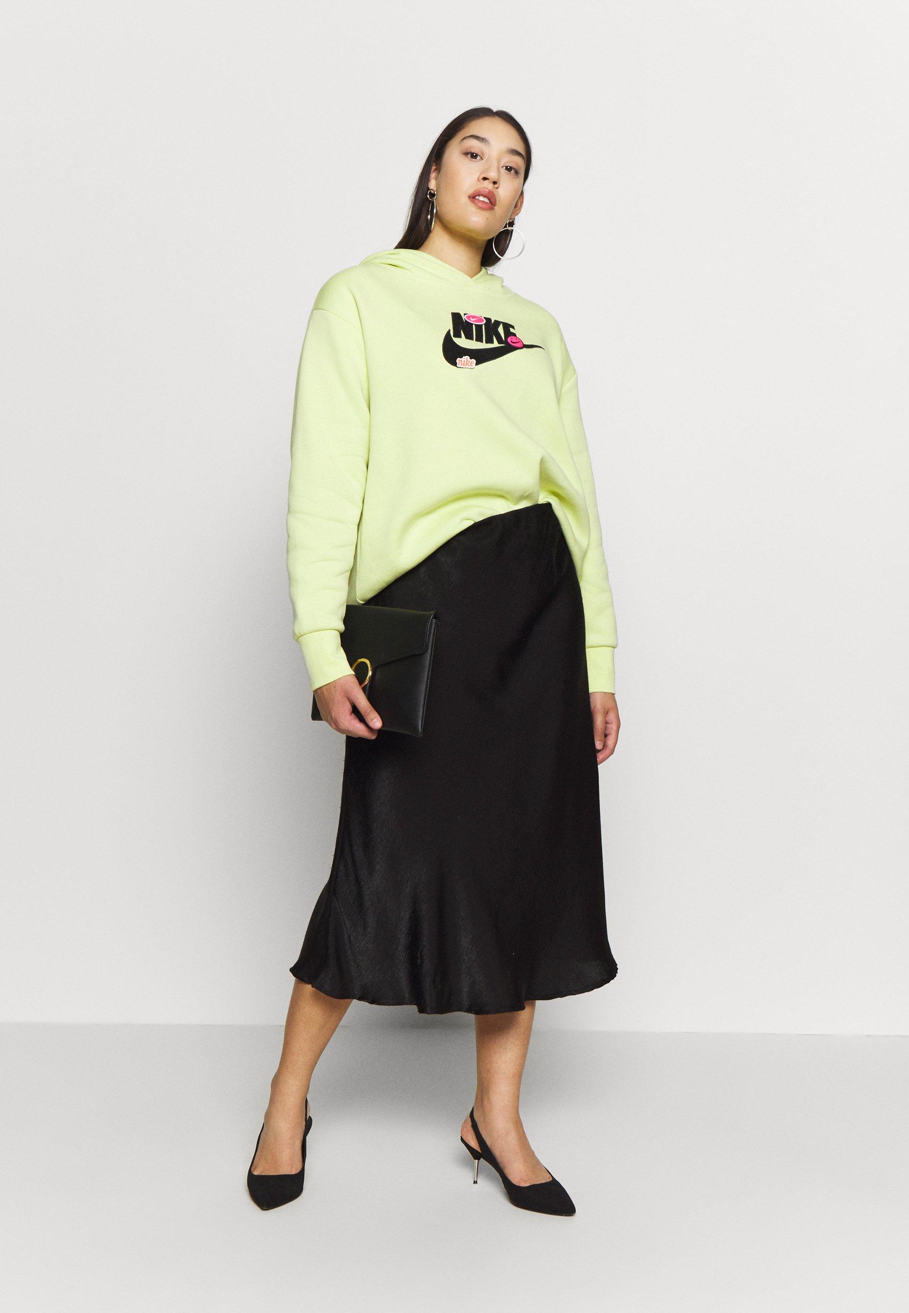 Nike Sportswear Plus Size Icon Clash Patches Fleece Hoodie - Luvtröja Limelight