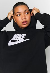 Nike Sportswear - PLUS SIZE ICON CLASH PATCHES FLEECE HOODIE - Hoodie - black - 3