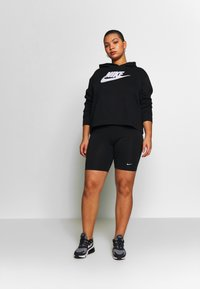 Nike Sportswear - PLUS SIZE ICON CLASH PATCHES FLEECE HOODIE - Hoodie - black - 1