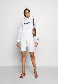 Nike Sportswear - HOODIE  - Bluza z kapturem - white/black - 1