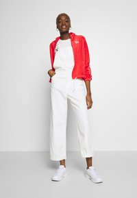 Nike Sportswear - RETRO - Zip-up hoodie - track red - 1