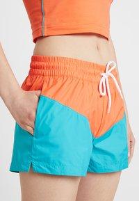 Nike Sportswear - HRTG - Shorts - cabana/turf orange/white - 3