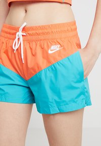 Nike Sportswear - HRTG - Shorts - cabana/turf orange/white - 5