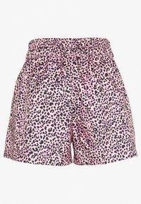 Nike Sportswear - W NSW AOP WVN PRNT PACK SHORT - Shorts - pink - 1