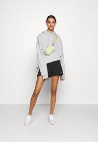 Nike Sportswear - TREND - Shorts - black/white - 1