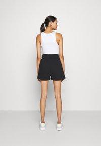 Nike Sportswear - TREND - Shorts - black/white - 2