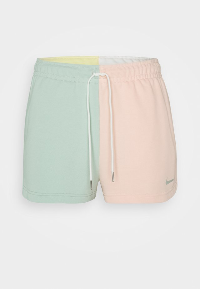 Short - pistachio frost/washed coral