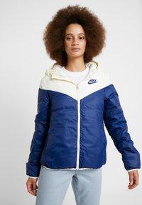 Nike Sportswear - FILL - Lehká bunda - pale ivory/blue void - 3