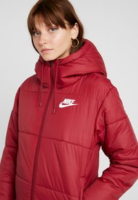 Nike Sportswear - FILL - Winterjas - team red/white - 4