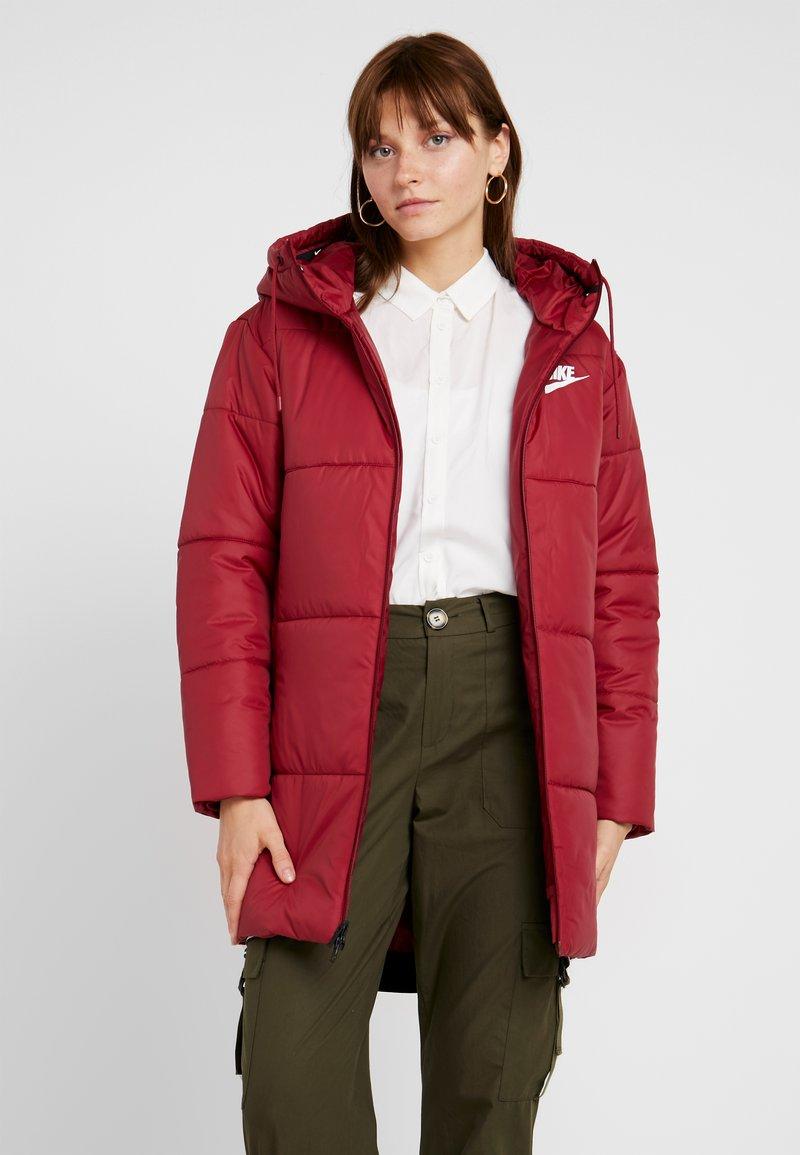 Nike Sportswear - FILL - Winter coat - team red/white