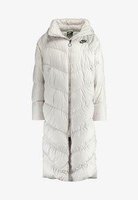 Nike Sportswear - FILL - Veste d'hiver - desert sand/pale ivory/black - 7